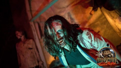 mall-zombie-haunted-hayride