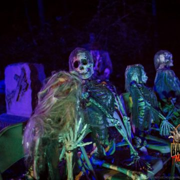 mourners-haunted-hayride