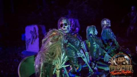 mourners-haunted-hayride